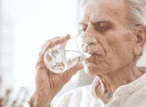 deshidratacion-en-personas-mayores