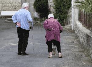 Cómo prevenir la deshidratación en personas mayores 1